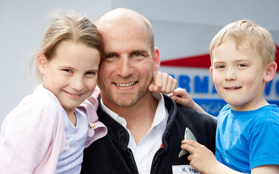 Hermann-Vogt-mit-Kindern